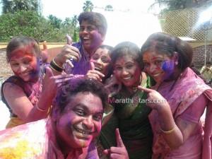 Ambat Goad Serial Cast Playing Holi Photos