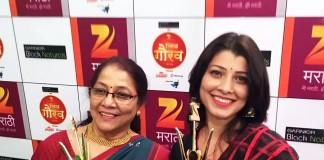 Tejaswini Pandit with her mother Jyoti Chandekar