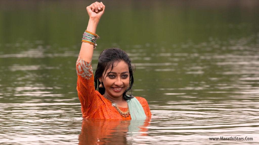 Radha - Goth Star Pravah Serial Actress