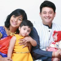 Swwapnil Joshi Family Photo wife Leena Joshi, daughter Maayra and son Raaghav